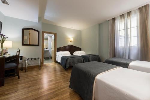 Hotel Navas - фото 1