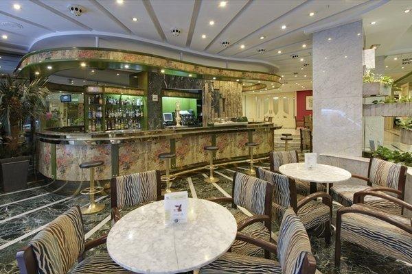 Hotel Corona de Granada - фото 10