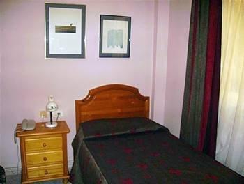 Apartamentos Puerta Real - фото 1