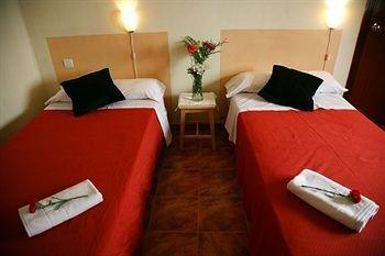 Duquesa Bed & Breakfast - фото 2
