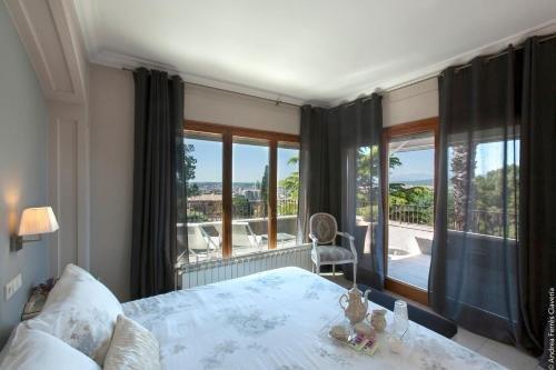 Montjuic Bed & Breakfast - фото 1