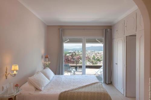 Montjuic Bed & Breakfast - фото 2