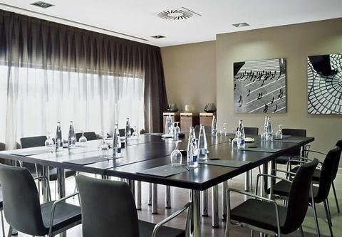 AC Hotel Gava Mar, a Marriott Lifestyle Hotel - фото 8