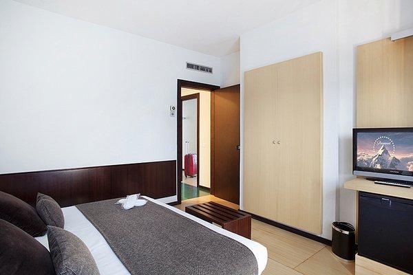Hotel Emporda - фото 2