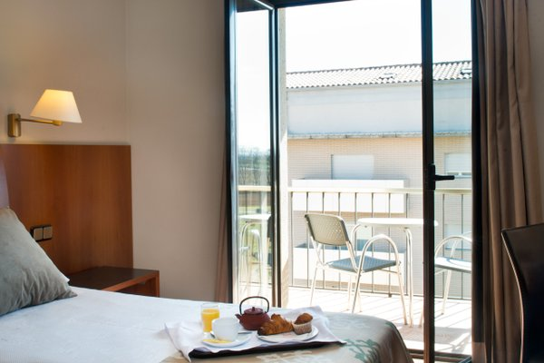Hotel Restaurant Ronda Figueres - фото 50