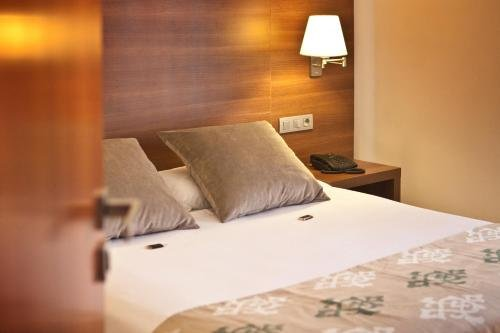 Hotel Restaurant Ronda Figueres - фото 4