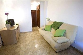 Apartments Figueres - фото 2