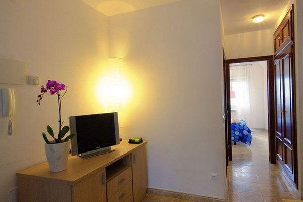 Apartments Figueres - фото 9
