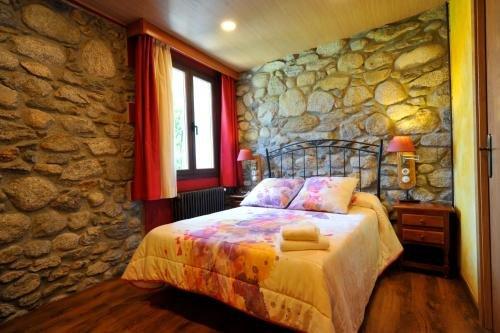 Hostal Vall D'Aneu - фото 1