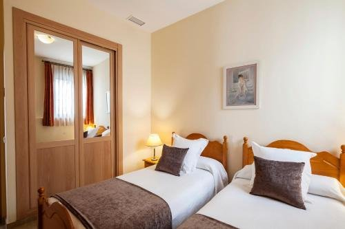 Apartamentos Turisticos Casa de La Borrega - фото 1