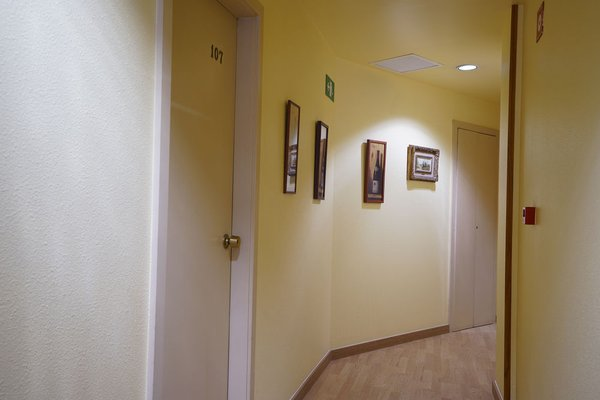 Hotel Esplugues - фото 17