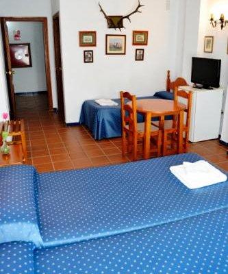 Hostal Puente del Rey Alojamientos Rocio Donana - фото 3