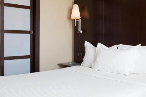 AC Hotel Elda, a Marriott Lifestyle Hotel - фото 2