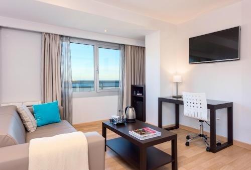 Tryp Alicante Gran Sol Hotel - фото 4