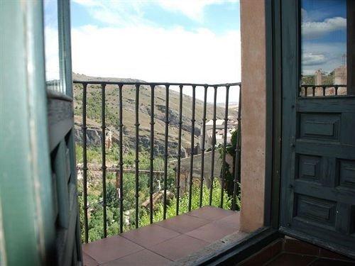 Hotel Leonor de Aquitania - фото 20