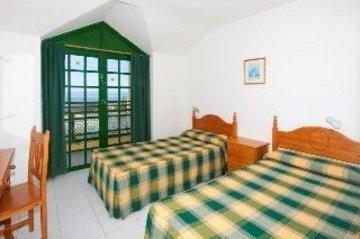 Apartamentos Caleta Playa - фото 1
