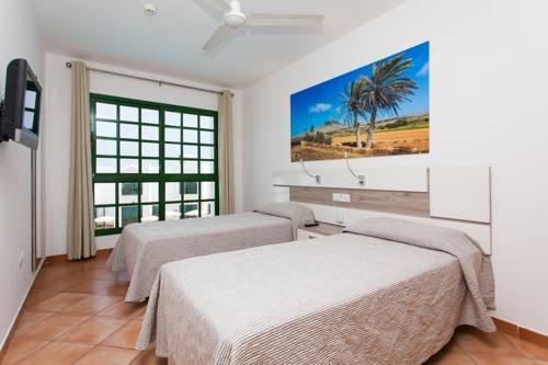 Apartamentos Caleta Playa - фото 2