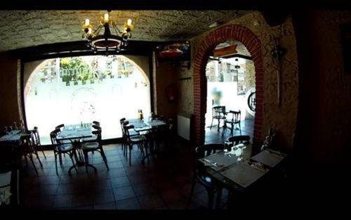 Hostal Restaurante Cornella - фото 15