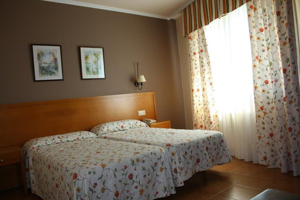Hotel Combarro - фото 2