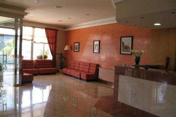 Hotel Combarro - фото 4