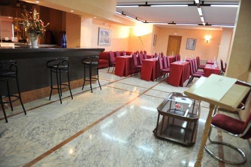Hotel Santa Cecilia - фото 13