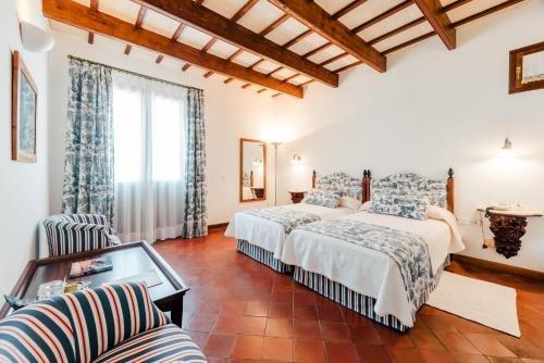 Hotel Rural Sant Ignasi - фото 1