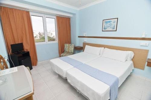 Cala Bona y Mar Blava - фото 3