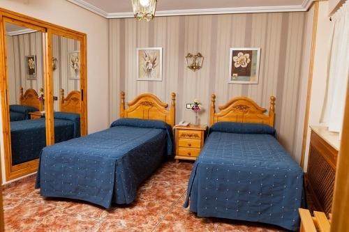 Hotel Guadalquivir - фото 1