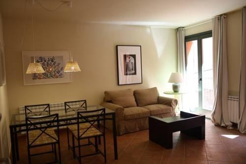Apartamentos La Fonda - фото 8