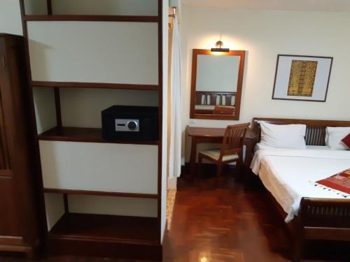 Avilla Phasouk Hotel - фото 4