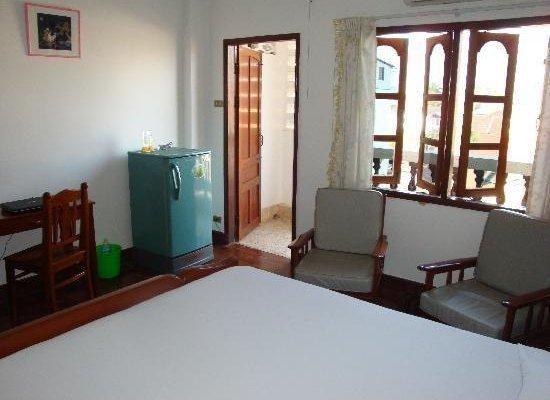 Douang Deuane hotel - фото 0