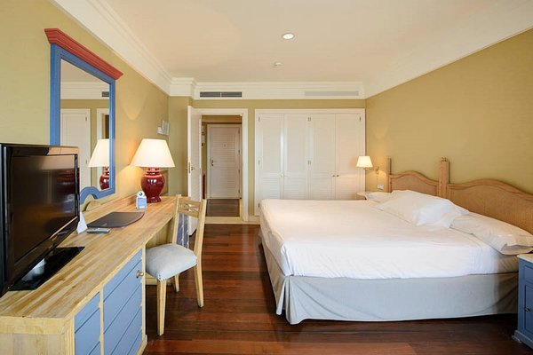 Hotel Playa Victoria - фото 2