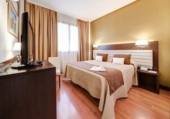 Hotel Monte Puertatierra - фото 1