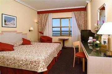 Tryp Cadiz La Caleta Hotel - фото 1