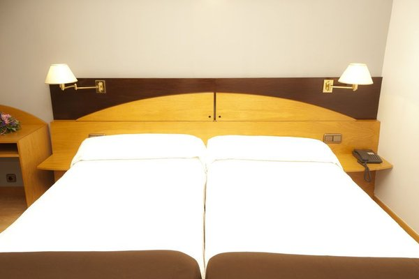 Hotel Sercotel Corona de Castilla - фото 4