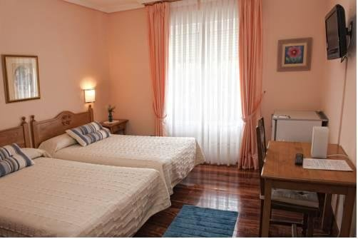Hotel Txaraka - фото 5