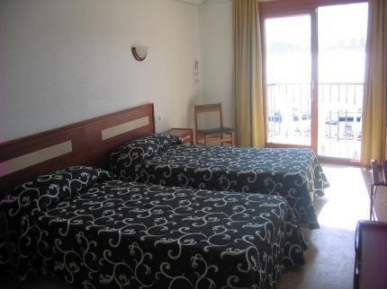 Hotel Condestable - фото 2