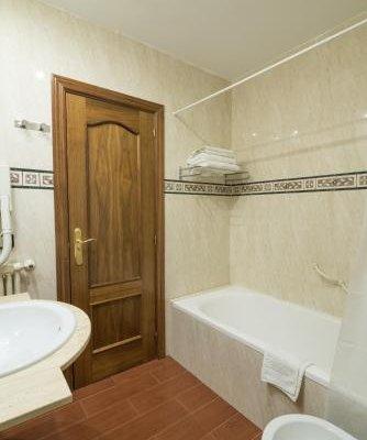Hotel Colon Spa - фото 11
