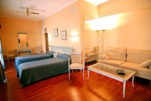 Hotel Colon Spa - фото 3