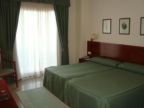 Hotel Bahia Bayona - фото 4