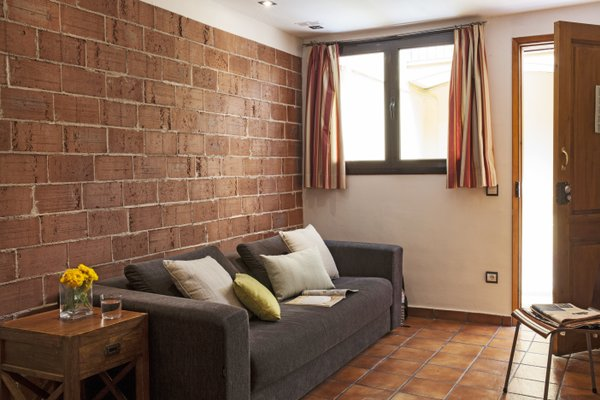 AinB Las Ramblas-Guardia Apartments - фото 10