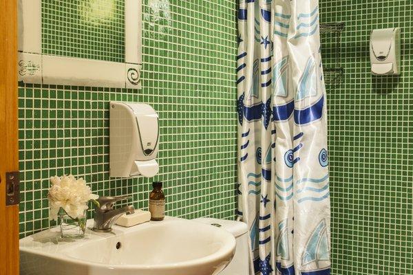 AinB Las Ramblas-Guardia Apartments - фото 12