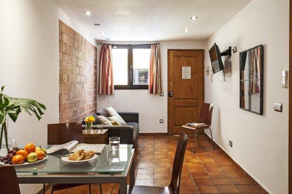 AinB Las Ramblas-Guardia Apartments - фото 19