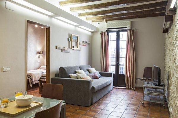 AinB Las Ramblas-Guardia Apartments - фото 3