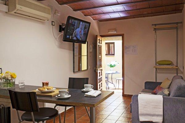 AinB Las Ramblas-Guardia Apartments - фото 9