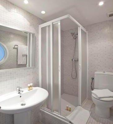 Chic & Basic Urquinaona Apartments - фото 12
