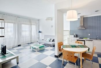 Chic & Basic Urquinaona Apartments - фото 20