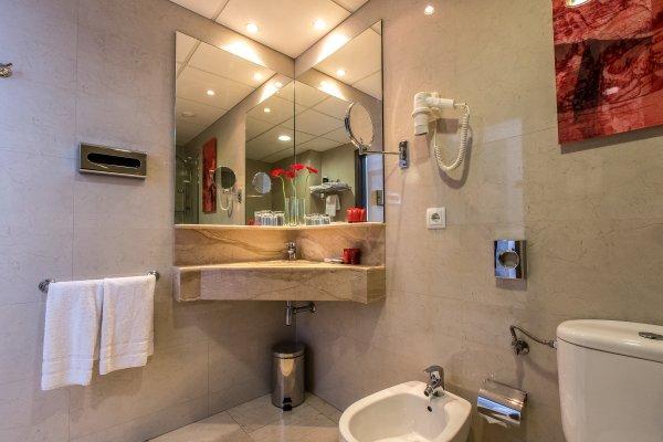 Leonardo Hotel Barcelona Las Ramblas - фото 12