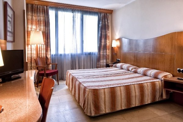 Hotel Aristol - Sagrada Familia - фото 1
