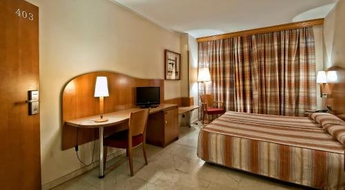 Hotel Aristol - Sagrada Familia - фото 4